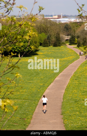 PICTURE CREDIT DOUG BLANE Running in Campbell Park Central Milton Keynes - Stock Photo