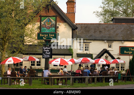 PICTURE CREDIT DOUG BLANE Pub in Milton Keynes - Stock Photo