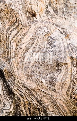 gneiss metamorphic rock mineral banding mangurstadh