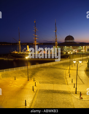 Discovery Point, Discovery Quay, Dundee City, Scotland, UK. The Royal Research Ship the RRS Discovery - Stock Photo