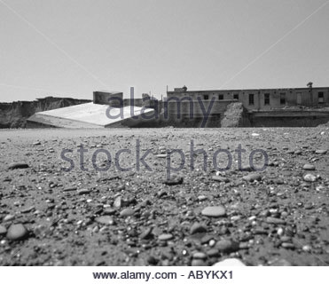 Kilnsea Beach, remains of the 20th Centuary WW1 and WW2 Artillery Emplacements - Stock Photo