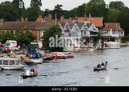 Swan Upping The River Thames Henley on Thames Oxfordshire  England  The Vintners and Dyers Company skiffs HOMER - Stock Photo