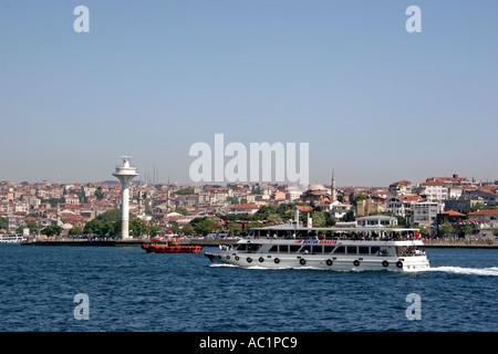 Asien Asia Tuerkei Türkei Turkey Istanbul Üsküdar Ueskuedar Bosporus Bogazi Bosphorus - Stock Photo
