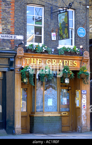 The entrance to The Grapes pub in east London. The pub dates back to 1583. - Stock Photo