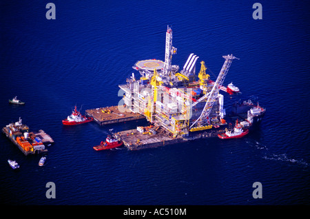 The oil platform Draugen operated by Duch Shell in the North Sea - Stock Photo