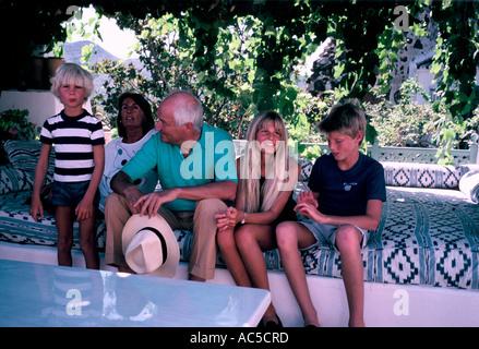 SIR JAMES GOLDSMITH FAMILY MARBELLA 1987 - Stock Photo