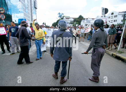 PEACE RALLY HARARE 1 4 00 PROTEST AGAINST THE GOVERNMENTS COLLUSION WITH FARMSTEAD SQUATTERS 2000 - Stock Photo