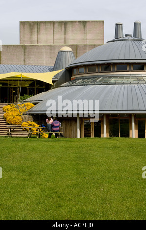 Exterior shot of Aberystwyth Arts centre showing new extension built in 2003 - Stock Photo