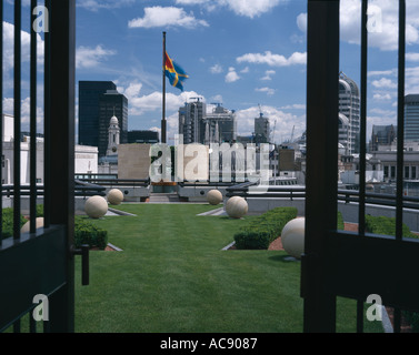 No. 1 Poultry, City of London, 1994-97. Roof garden. Architect: Stirling and Wilford - Stock Photo