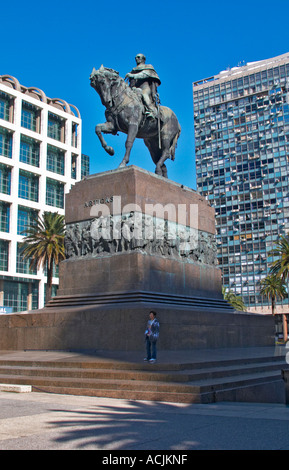 Plaza Independencia Independence Square with the mausoleum of General Jose Artigas with equestrian statue on the - Stock Photo
