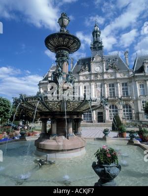 Limoges town hall limoges haute vienne limousin france for Piscine limoges