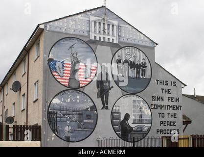 Unionist Loyalist Mural Boundary Way off Shankill Road  Belfast County Antrim Northern Ireland - Stock Photo