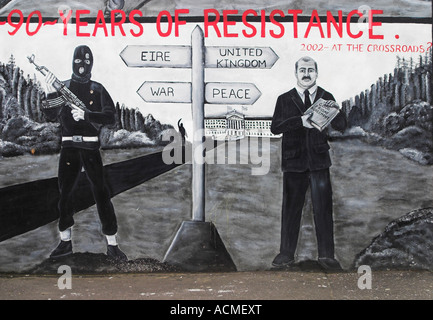 90 Years of Resistance 2002 at the Crossroads A loyalist mural Canmore Street off Shankill Road - Stock Photo