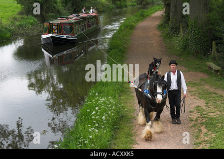 A Horse Drawn Barge On The Grand Western Canal Tiverton Devon England - Stock Photo