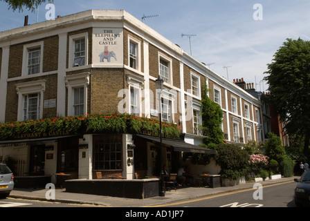 London Pub The 'Elephant and Castle' 'public house' 'Holland street' The Royal  Borough of Kensington and Chelsea - Stock Photo