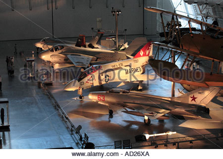 Russian MIG-21 and US Phantom jet fighters on display at the Steven Udvar-Hazy Center - Stock Photo