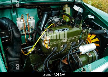 1967 Austin Mini estate engine - Stock Photo