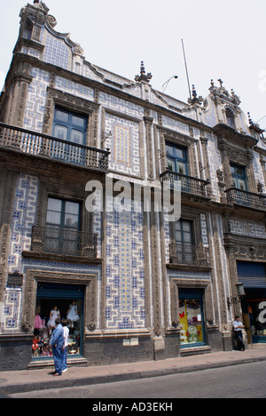 Sanborns department store casa de los azulejos house of for Casa de los azulejos centro historico