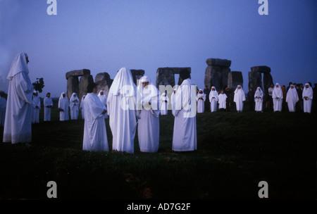 Stonehenge Wiltshire Druids ceremony  summer solstice  1970s   HOMER SYKES - Stock Photo