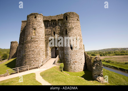 Wales Carmarthenshire Kidwelly castle gatehouse - Stock Photo