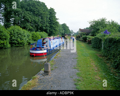 A traditional English Narrowboat or canal boat on the Avon Canal and Ring near Stratford Upon Avon, England. - Stock Photo