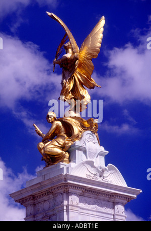 Victoria Monument The Mall outside Buckingham Palace St James s London England UK - Stock Photo