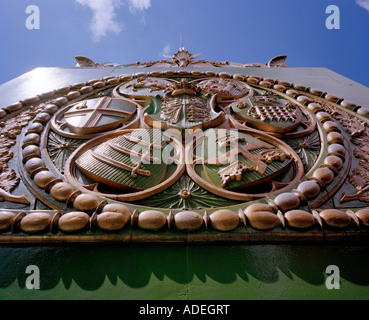 Detail on Hammersmith Bridge crossing the river Thames, West London, W6, England, UK. - Stock Photo