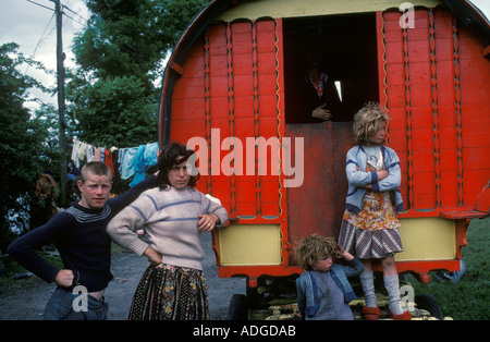 Gypsy camp family their horse drawn caravan camp Southern Ireland Eire   1970s 70s  HOMER SYKES - Stock Photo