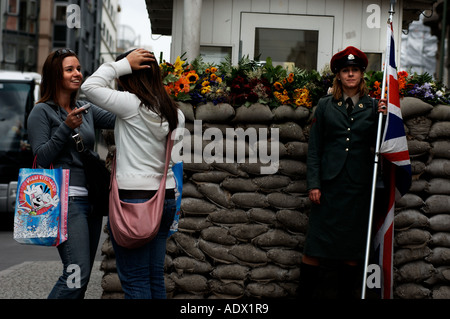 Berlin a British soldier at checkpoint Charlie in the Friedrichstrasse - Stock Photo