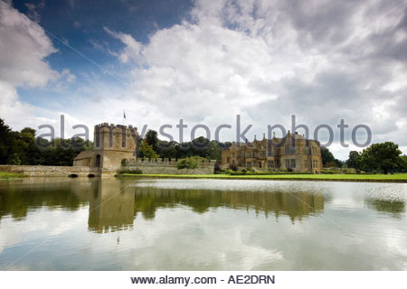 Broughton castle and moat in the Oxfordshire countryside, England - Stock Photo
