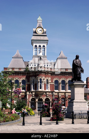 Guildhall and Isaac Newton statue, Grantham, Lincolnshire, England, UK - Stock Photo