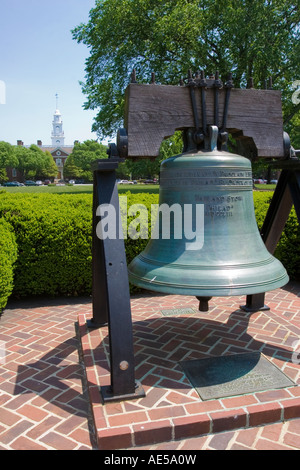 Full sized replica of the Liberty Bell displayed in front of Legislative Hall the Delaware statehouse in Dover - Stock Photo