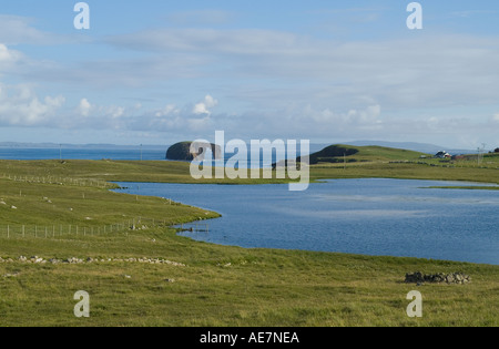 dh West Loch ESHA NESS SHETLAND Eshaness Dore Holm natural arch rock unihabitated islet island landscape