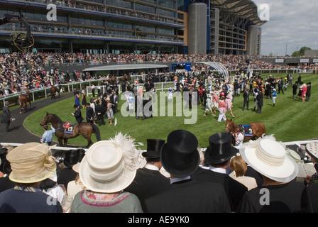 Royal Ascot Berkshire England   The new parade ring and grandstand. Horse racing. HOMER SYKES - Stock Photo