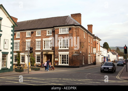 UK Wales Powys Welshpool Severn Street the Royal Oak Hotel former coaching Inn - Stock Photo