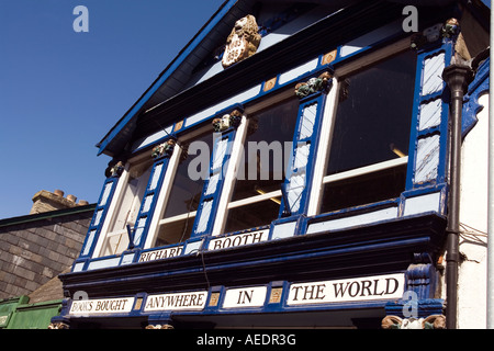 UK Wales Powys Hay on Wye Lion Street colourfully painted Richard Booth Bookshop - Stock Photo