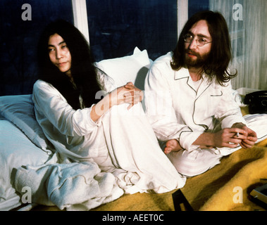 BEATLES John and Yoko during their week long Bed in for peace at Queen Elizabeth Hotel Montreal May 1969 - Stock Photo