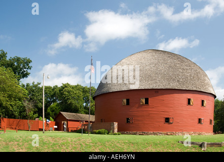Restored famous round barn on Route 66 in Arcadia, Oklahoma, USA - Stock Photo