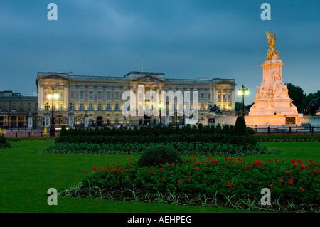 Victoria Memorial in front of Buckingham Palace at night London England UK - Stock Photo