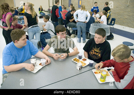 how to eat healthy in high school cafeteria