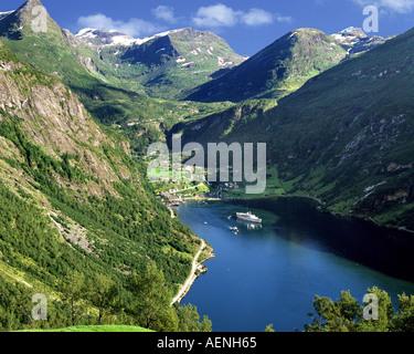NO - MORE OG ROMSDAL: Geirangerfjord - Stock Photo