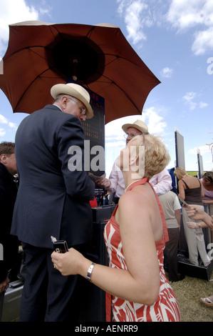 Royal Ascot races, Ladies Day, Ascot - Stock Photo