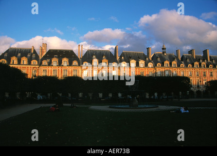 park gardens in shadow city of paris france - Stock Photo