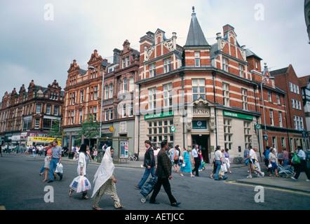Semi pedestrianised Broad Street with Lloyds Bank Reading Berkshire England U K Europe - Stock Photo