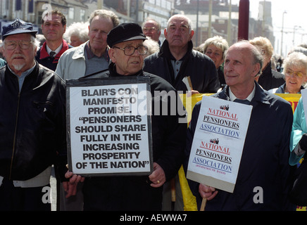 Elderly men and women protesting for pensioners rights and increased pensions, Blackpool, Lancashire, England. - Stock Photo