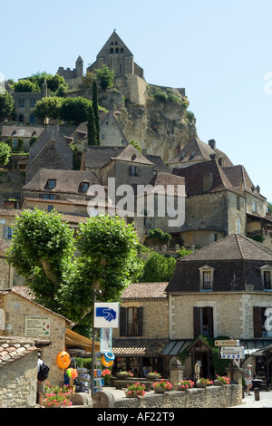 chateau de beynac towers above Beynac et Cazenac on the banks of the river Dordogne France Europe - Stock Photo