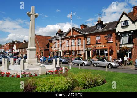 War Memorial and George & Dragon Pub, High Street, Marlow, Buckinghamshire, England, United Kingdom - Stock Photo