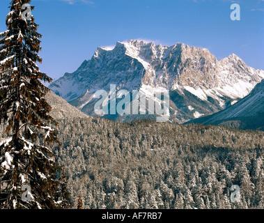 Geografie allgemein, Berge & Gebirge, Österreich, Tirol, Zugspitze, Blick vom Fernpass auf die österreichische Seite alpen berg