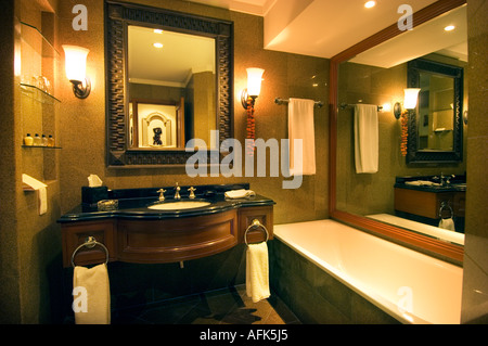 Lobby and hotel rooms high in interior of pyramid at luxor for Bathroom designs in nepal