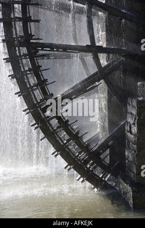 The Norias of Bechriyyat in Hama, Syria. The waterwheels at Hama, known as Norias are up to 20m high - Stock Photo